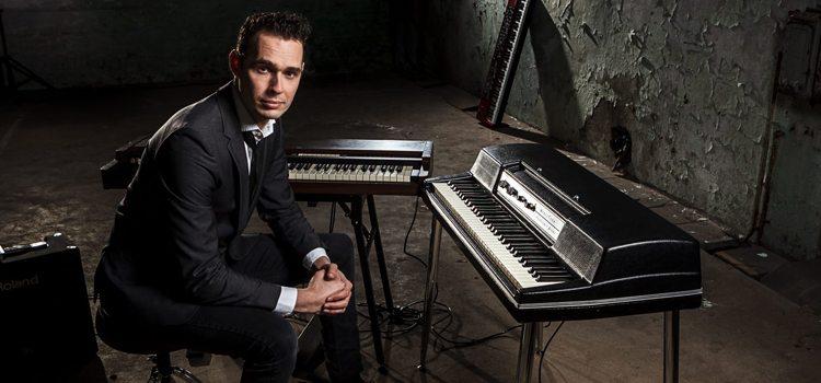 Pianist Born Sanders bij Artist Capitol