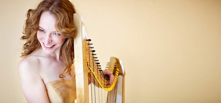 Harpiste Mechteld Karlien de Jongh