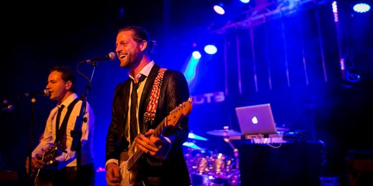 Coverband Trots boeken spotlight optreden