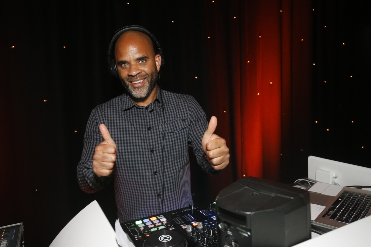 DJ Mike Fire boeken